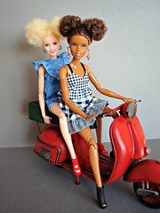 Let's go for a ride! (Deejay Bafaroy) Tags: barbie aa doll dolls puppe puppen mattel mtm mtmbody madetomove portrait porträt black schwarz white weiss blue blau denim jeans yellowtop fashionistas varsity plaiditude albino 91 blonde blond afro 2017 mickeymouse minniemouse hairstyle hairdo vespa miniatur 16 scale playscale miniature red rot