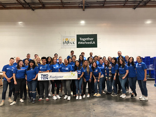 """LA Footwear Cares volunteers at the LA Regional Food Bank • <a style=""""font-size:0.8em;"""" href=""""http://www.flickr.com/photos/45709694@N06/40649316153/"""" target=""""_blank"""">View on Flickr</a>"""