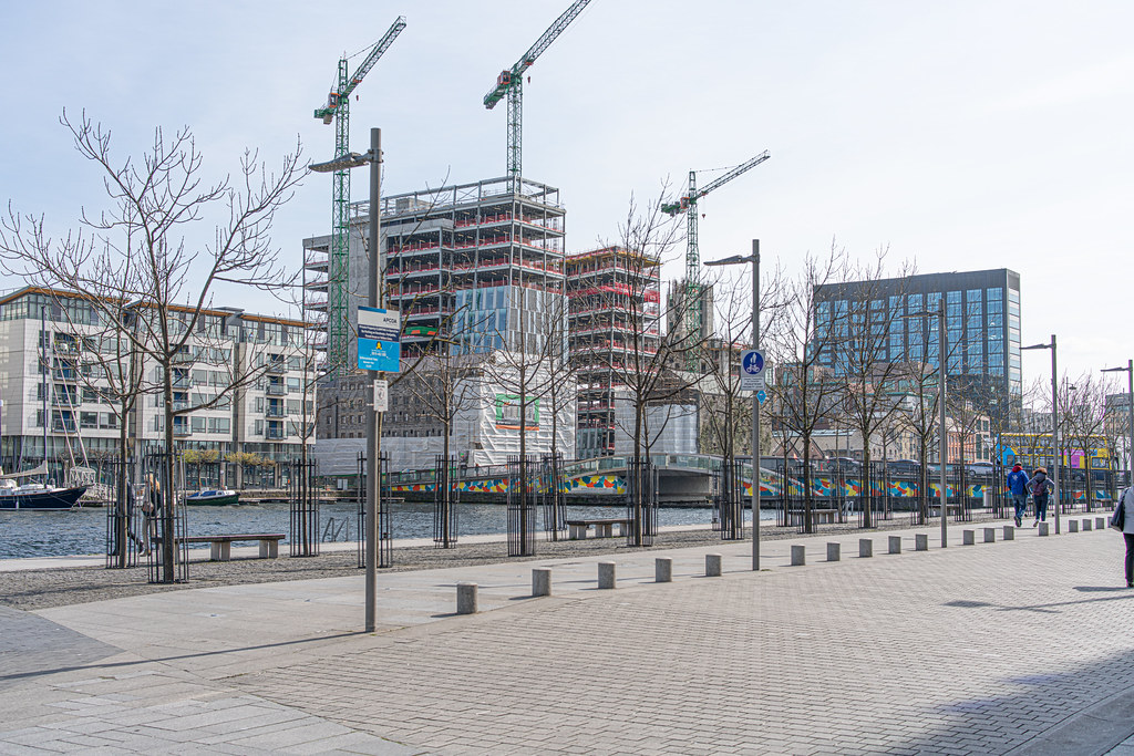 GRAND CANAL SQUARE AND NEARBY [DUBLIN DOCKLANDS]-151601
