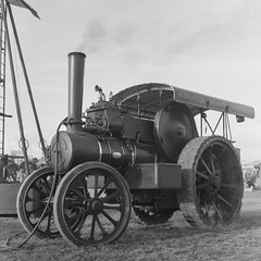 Great Dorset Steam Fair 2018 (Attila Pasek (Albums!)) Tags: steampowered bronicasqa machine mediumformat 120film film steam dorset analogue hp5 machinery thegreatdorsetsteamfair camera blackandwhite vehicles ilford bw steamfair