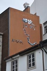 Braga - street art (jaime.silva) Tags: braga portugal portugalia portugalsko portugália portugalija portugali portugale portugalsk portogallo portugalska portúgal portugāle painting paint spraypaint spray spraypainting muralpainting mural pinturamural streetart streetartist graffiti graf urban urbanart arteurbana