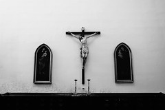 Havana Cathedral (Carlos A. Aviles) Tags: cuba havana cathedral catholic catedral catolica iglesia church arquitectura architecture colonial travel viajes blackandwhite blancoynegro monochrome cristo jesus