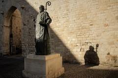 Arco dei Crociati e statua di San Nicola (santi_riccardo) Tags: puglia bari sannicola arcodeicrociati
