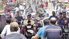 Helmet Kyu Nai Lagate India Me? (Why Most People don't Wear Helmet in India?)