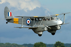 HG691_05 (GH@BHD) Tags: gaiyr hg691 dehavilland dh89 dh89a dragonrapide dragon rapide classicwings flyinglegends2017 duxfordairfield duxford imperialwarmuseum flyinglegends biplane vintage historic historicaircraft aircraft aviation airliner military raf royalairforce