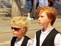 blond curls and red waves (mknt367 (Panda)) Tags: outside kids teen boy sunglasses curls blond red hair
