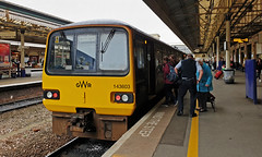 143603 Exeter St Davids 04/04/2019 (Flash_3939) Tags: 143603 143618 class143 pacer dmu dieselmultipleunit pair 4car gwr greatwesternrailway exeterstdavids exd 2b80 station fosw rail railway train uk april 2018