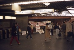 Paris 1982 (triebensee) Tags: nikon fm nikkor 50mm f14 epsonv700 paris agfachrome 1982