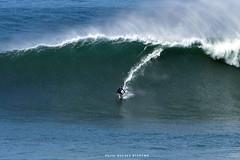 7290ANB (Rafael González de Riancho (Lunada) / Rafa Rianch) Tags: surf waves surfing olas sport deportes sea mer mar nazaré vagues ondas portugal playa beach 海の沿岸をサーフィンスポーツ 自然 海 ポルトガル heʻe nalu palena moana haʻuki kai olahraga laut pantai costa coast storm temporal