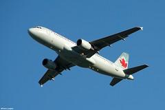 pl02juin18aca32027 (lanpie012000) Tags: montreal montréal yul cyul aircanada airbusa320211 cfpwe fin402