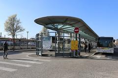 GAre routière © BB (6) (villenevers) Tags: gareroutière gare sncf autocar