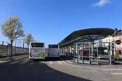 GAre routière © BB (3) (villenevers) Tags: gareroutière gare sncf autocar