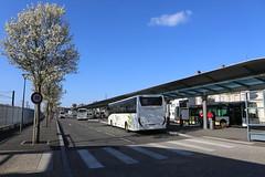 GAre routière © BB (1) (villenevers) Tags: gareroutière gare sncf autocar