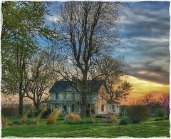Golden hour in the Ozarks... (Sherrianne100) Tags: spring goldenhour ozarks oldhome springfieldmissouri missouri