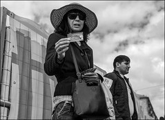 18drd0156 (dmitryzhkov) Tags: urban outdoor life human social public stranger photojournalism candid street dmitryryzhkov moscow russia streetphotography people bw blackandwhite monochrome