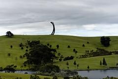 Gibbs Sculpture Farm Suite, 5 (Den Rob) Tags: sculpture sculpturefarm hill grass sky people horizon steelarcs nikon 7200 70300mm dx f4563