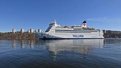The ferry Isabelle arriving in Stockholm (Franz Airiman) Tags: tallink båt boat ship fartyg bay fjärd lillavärtanbay lillavärtan lidingö bodal ferry färja spegling reflection larsberg