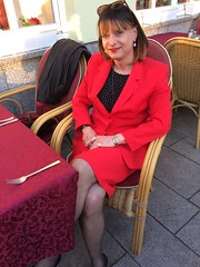 Restaurant Rossini (Marie-Christine.TV) Tags: lady feminine transvestite mariechristine skirtsuit kostüm red ladyinred gorgeous elegant dame