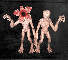 Life's Better with a Friend (ResinWraith) Tags: doll collectable figure actionfigure dnd dungeonsanddragons demogorgon strangerthings strangerthingsdemogorgon princeofdemons demonlord toy toys toyphotography dollphotography