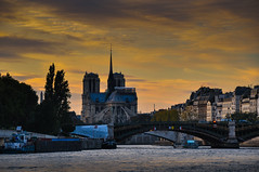 Sunset at Seine River and Notre Dame (miguelyn.) Tags: notredame paris seine france sunset notredamecathedral seineriver aoi elitegalleryaoi bestcapturesaoi