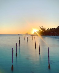 To the sun (saebaryo) Tags: instagram ifttt water ocean oceanview seaside seasideview sun cancun mexico sunrise travel vacation sea longexposure spectre