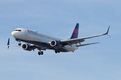 Delta Air Lines Boeing 737-900ER N868DN (jbp274) Tags: lax klax airport airplanes delta dl boeing 737
