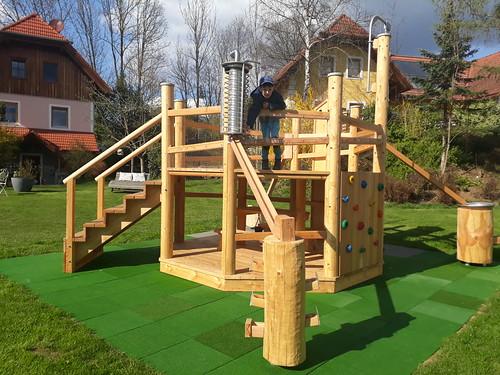 Neue Holzkugelbahn