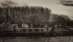 River boat (akatsoulis) Tags: cliftonhampden alexkatsoulis riverboat oxfordshire abingdon riverthames