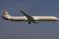 A6-BME / Boeing 787-10 GE / 60759/789 / Etihad Airways (A.J. Carroll (Thanks for 1 million views!)) Tags: a6bme boeing 78710 787 78x 60759789 genx etihadairways mpdf 89653c london heathrow lhr egll 09l