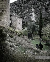 Et segueixo (Joan Romero) Tags: landscape nikond3300 nikon green grey romanesque steel catalunyaromanica