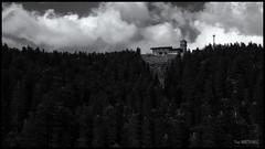 Hornisgrinde Turm (r0llsky) Tags: schwarzwald forêtnoire hornisgrinde tempête storm sturm bw nb landscape landschaft