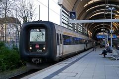 P1800040 (Lumixfan68) Tags: eisenbahn züge triebwagen baureihe mf dieseltriebwagen ic3 gumminase intercity dsb dänische staatsbahn