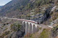 """BR 193 471 mit dem """"Lago-Maggiore-Express"""" auf dem Luogelkinnviadukt (Markus-Seeger) Tags: rheingold tee akerheingold teezug lagomaggioreexpress vectron siemens lokroll luogelkinnviadukt lötschberg lötschberglinie eisenbahn"""