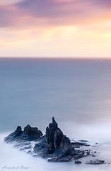 Horizonte de Benijo (Luis JG) Tags: benijo madrugada sunrise salidadelsol nubes clouds cielo sky largaexposición longexposure agua water amanecer goodfriday ef70200mmf28lisiiusm canoneos5dmarkiv roca rock mar sea