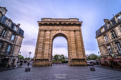 Porte de Bourgogne (PaaulDvD) Tags: bordeaux couleurs aquitaine gironde city cityscape urban night blue hour