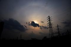 20190419_007_2 (まさちゃん) Tags: 空 雲 夕暮れ時 高圧送電線 送電線 夕陽 シルエット silhouette ハロ 日暈