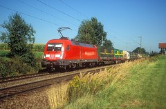 182 021  bei Hilperting  02.09.04 (w. + h. brutzer) Tags: hilperting 182 taurus eisenbahn eisenbahnen train trains deutschland germany elok eloks lokomotive locomotive zug db nikon webru analog
