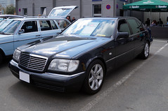 1993 Mercedes W140 S-Klasse S600 Limousine Front (Joachim_Hofmann) Tags: auto fahrzeug verbrennungsmotor ottomotor mercedes daimler benz daimerbenz mercedesbenz sklasse v12 s600 w140