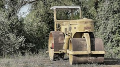 Steamroller (ostplp) Tags: steamroller rouleau compresseur vintage route road