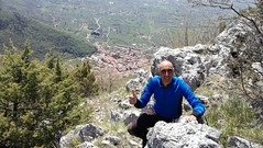 20/04/2019 - Monte Pizzuto, 1250 m, vista verso San Donato Val di Comino (FR) (riky.prof) Tags: rikyprof escursionismo trekking hiking senderismo wanderung wanderungen walking montagna montagne mountain mountains mountaineering montaña montañas berg italia italy italien outdoor all'aperto sport hike hikes hiker hiked mountaineer mountaineers pnalm parconazionaledabruzzolazioemolise parconazionaleabruzzo parcoabruzzo abruzzo lazio sandonatovaldicomino sandonatovalcomino sandonatovc rocciadeitedeschi montepizzuto