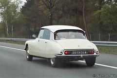 1973 Citroën DS (NielsdeWit) Tags: nielsdewit car vehicle 00ya55 citroën ds d special a12 driving highway snelweg