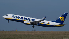 EI-DLE / Boeing B-737.8AS / Ryanair (PBe1958) Tags: transportation lietadlo aircraft airplane aero aeroplane airliner jetliner boeing b738 b7378as ryr ryanair prg praharuzynevaclavhavel
