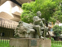 Borges (nicnac1000) Tags: argentina ba bsas buenosaires statue library nationallibrary