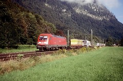 182 024  Oberaudorf  01.09.04 (w. + h. brutzer) Tags: oberaudorf 182 taurus eisenbahn eisenbahnen train trains deutschland germany elok eloks lokomotive locomotive zug db nikon webru analog