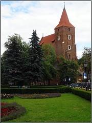 Kraków (Poland)-Cracovia (Polonia) (sky_hlv) Tags: parishoftheholycross iglesiadelasagradacuz iglesia church plantypark parque park kraków krakow cracovia poland polonia europe europa