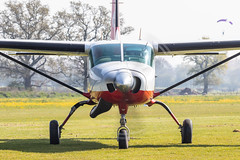 G-GOHI Cessna 208 Caravan (amisbk196) Tags: airfield aircraft headcorn amis flickr 2019 unitedkingdom kent uk lashenden ggohi cessna 208 caravan