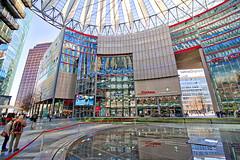 Berlin - Potsdamer Platz, Sony Center (www.nbfotos.de) Tags: berlin potsdamerplatz sonycenter architektur architectur reflexion reflection spiegelung