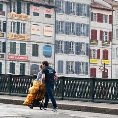 La foire aux jambons (Mitchwan) Tags: nikond700 flickr paysbasque bayonne64 lafoireauxjambons