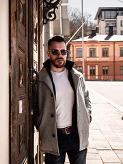 Herman_20190421_2100 (roni.laakso94) Tags: herman turku outdoor finland city sights nature moody yellow orange sunny spring photoshooting model man sunnies sunglasses photography varsinaissuomi forest