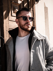 Herman_20190421_2090 (roni.laakso94) Tags: herman turku outdoor finland city sights nature moody yellow orange sunny spring photoshooting model man sunnies sunglasses photography varsinaissuomi forest